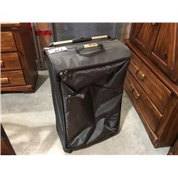 IT LUGGAGE CHARCOAL GREY SUITCASE