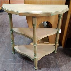 SMALL VINTAGE D TABLE