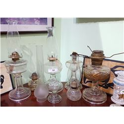 LOT OF APPROX 8 OIL LAMPS & CHIMNEYS