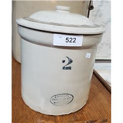 2 GALLON MEDALTA CROCK W/LID