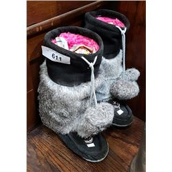 PAIR BLACK/GREY MUKLUKS