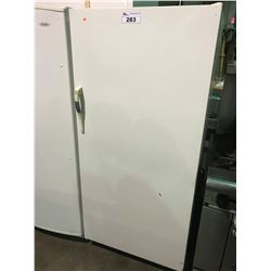 WOODS UPRIGHT WHITE FREEZER