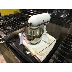 WHITE KITCHENAID ULTRA P[OWER STAND MIXER