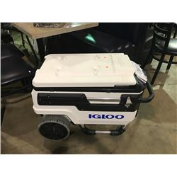 IGLOO TRAILMATE MARIN 70 QUART MOBILE COOLER