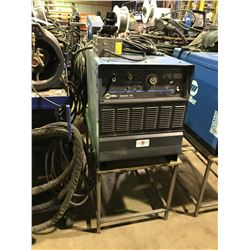 MILLER DIMENSION 452 CC/CV-DC WELDING POWER SOURCE ON STAND