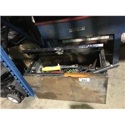 METAL JOB BOX WITH ASSORTED TOOLS, HOSE, HYDRAULIC RAM & MORE