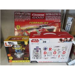 KIDS FERRARI GT RACE TRACK/STAR WARS DROID INVENTOR KIT/MINIONS TOY