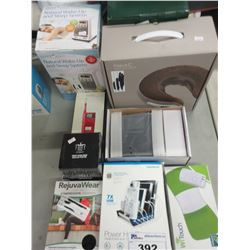COMPRESSION LEGGINGS/FAST CHARGING POWER HUB/WII TOUCH CONTROLLER/PEWTER CUP/MINI RADIO/MEDIA