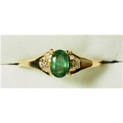 10K EMERALD(0.40CT) 2 DIAMOND(0.03CT) RING, MADE IN CANADA. APPROX. RETAIL $1200