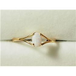 14KT GOLD(0.45CT) RING, MADE IN CANADA. APPROX RETAIL $400