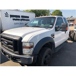 2009 FORD F550 XL-SUPERDUTY, EXTENDED CAB CHASSIS, WHITE, DIESEL, AUTOMATIC, VIN#1FDAX57R39EB26480,