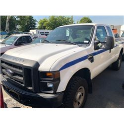 2010 FORD F-250 SUPER DUTY, PU, WHITE, VIN # 1FTSX2BY4AEA08173