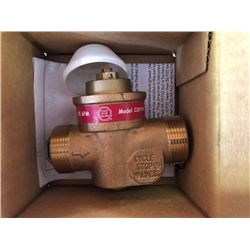 "NEW Pump Control Valve Model CSUIW Size 1"" Female And 1 1/4"" Male Adpt"