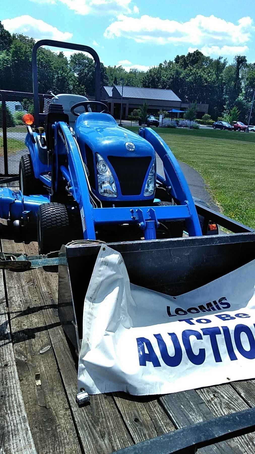 ... Image 3 : NEW HOLLAND TZ25DA Diesel Tractor w Attachments $26,000  Approx New ...