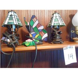 Shelf Lot: 3 Small Leaded Lamps, 2 Lanterns