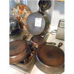 Griswold and Wagner Cast Iron Skillets (4)