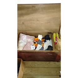 Blanket Box W/ Blankets and Amish Dolls