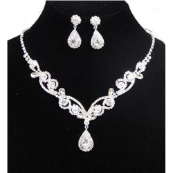 Clear Rhinestone Crystal Necklace And Teardrop Earrings Set
