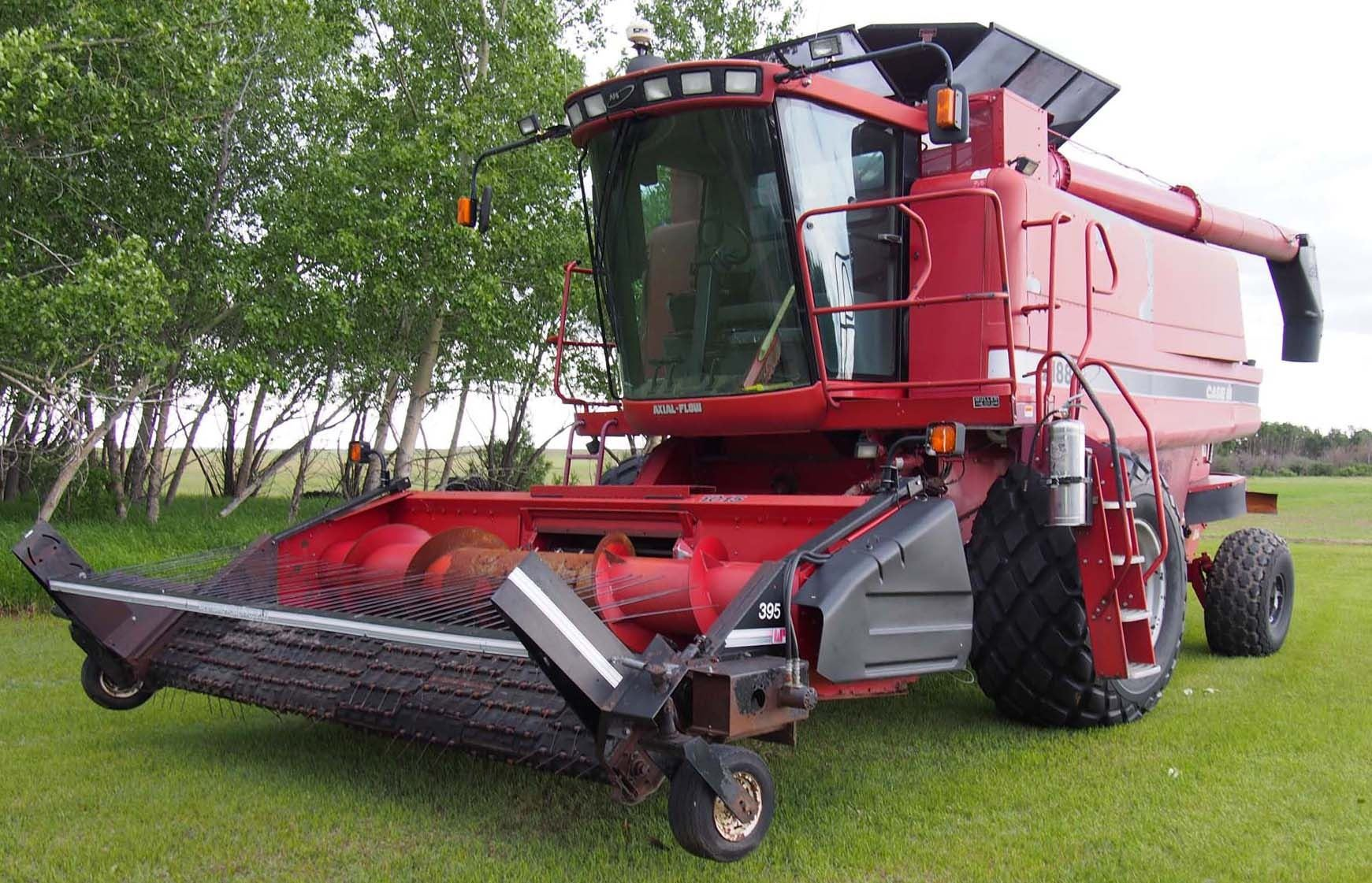 Image 1 : 1996 Case International 2188 Axial Flow Combine, Reddicopp  Chopper, 395 Melrow ...