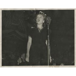Judy Garland concert portrait photograph by Walkowicz.