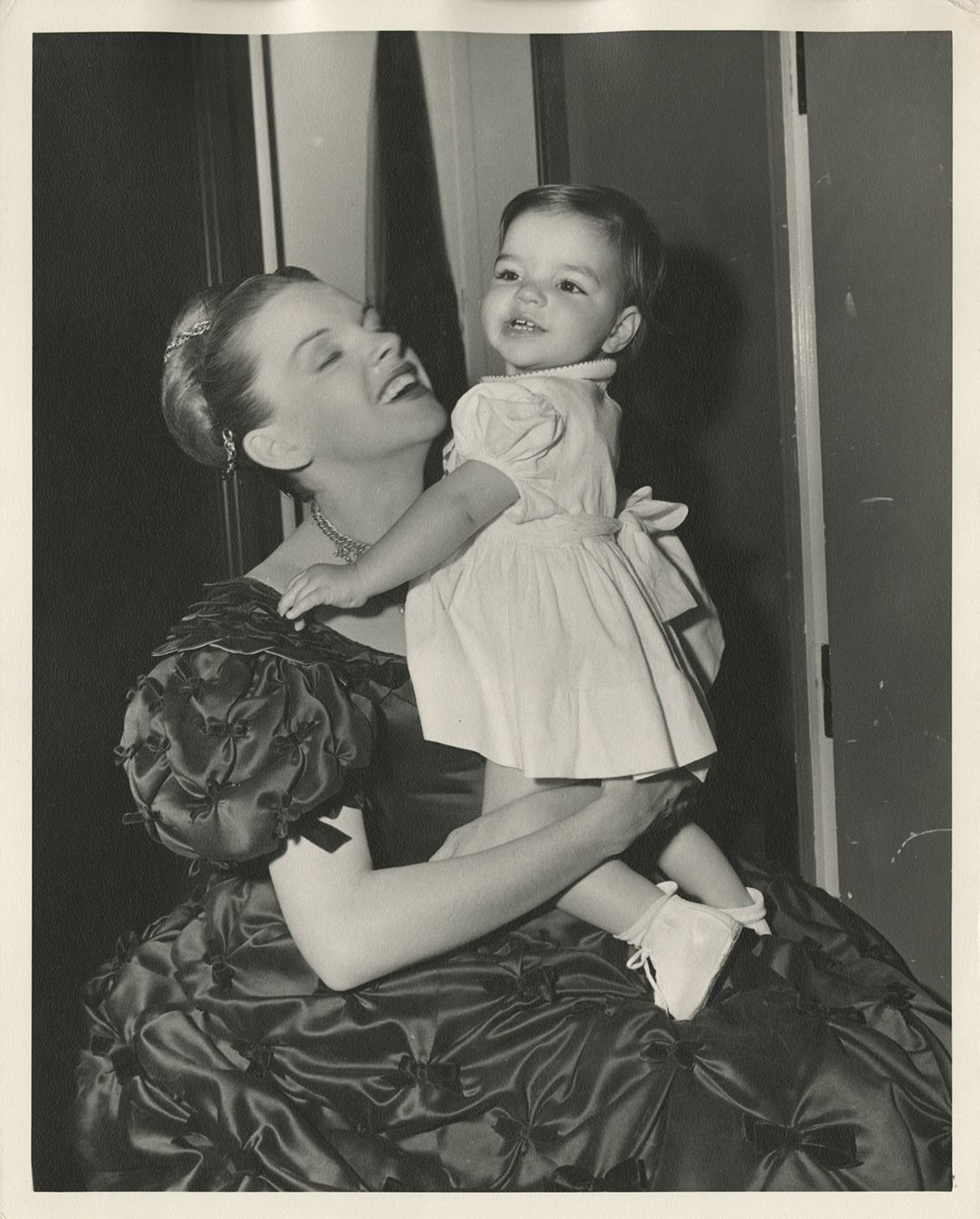 Judy Garland with baby Liza (6) vintage photographs on set of The ...