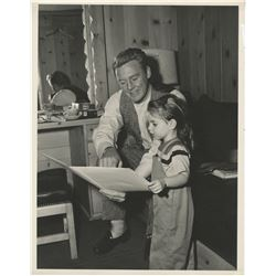 Liza Minnelli and Van Johnson (3) behind the scenes photographs from In the Good Old Summertime.