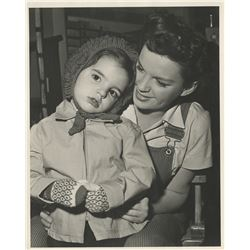 Judy Garland with toddler Liza (8) vintage photographs.