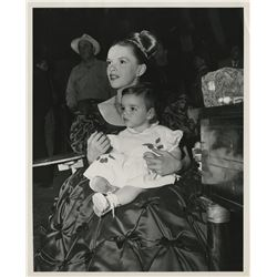 Liza Minnelli (4) baby photographs on set with her mother.