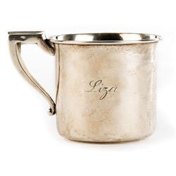 Liza Minnelli sterling silver baby christening cup gifted to her by Kay Thompson.