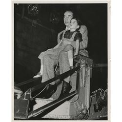 Liza Minnelli (12) childhood photographs on the sets of Vincente Minnelli and Judy Garland's films.