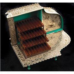 Liza Minnelli personal piano-form combination cigarette music box.