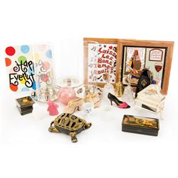 Liza Minnelli collection of gift and novelty pieces.