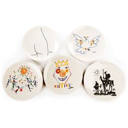 Liza Minnelli (5) Lambert special edition plates with designs by Pablo Picasso.