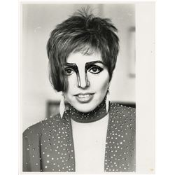 Liza Minnelli (4) oversize portrait photographs by Kenneth Saunders for The Guardian.