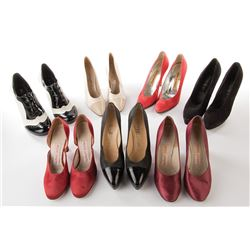Liza Minnelli personal (24) pairs of shoes.