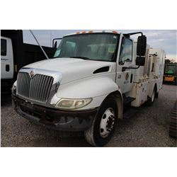 2003 INTERNATIONAL 4200 Fuel & Lube Truck; VIN/SN:1HTMPAFM93H583903 -:- Int. engine, A/T, product ta