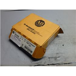 *NEW*ALLEN BRADLEY 1769-OF8C OUTPUT MODULE