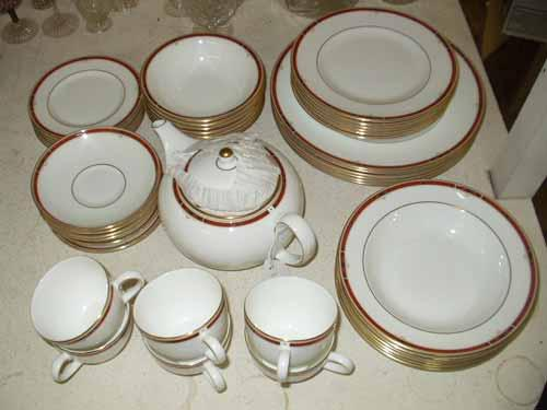 Image 1  A Wedgwood \u0027Colorado\u0027 pattern tea and dinner service. : wedgwood dinnerware patterns - pezcame.com