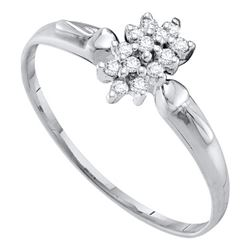 0.12 CTW Prong-set Diamond Cluster Slender Ring 10KT White Gold - REF-9M7H
