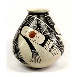 Mata Ortiz Polychrome Pottery by Laura Quezada