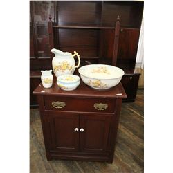 Wash Stand in nice condition