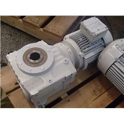 SEW-Eurodrive Gearmotor Assembly, Type: SA67 DT90S4/TH