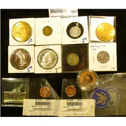 RANDOM COIN LOT INCLUDES PROOF STATUTE OF LIBERTY HALF DOLLAR, READERS'S DIGEST MEDAL, SALES TAX TOK