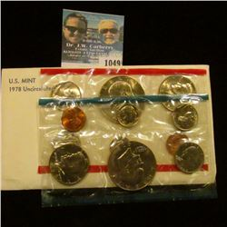 1049 _ 1978 P & D U.S. Mint Set in original government holder as issued. With Eisenhower Dollars.
