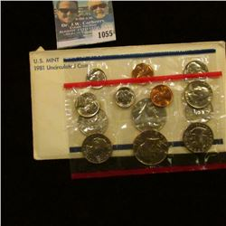 1055 _ 1981 P & D U.S. Mint Set in original government holder as issued. With Susan B. Anthony Dolla