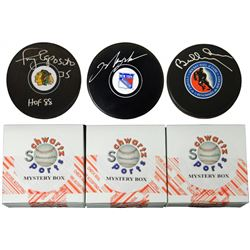 Schwartz Sports Hockey Hall of Famer Signed Logo Hockey Puck Mystery Box - Series 1 (Limited to 250)