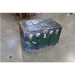 GREEN BLACK SHIPPING TRUNK