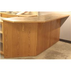 L-SHAPED RECEPTION COUNTER AND MATCHING COUNTER