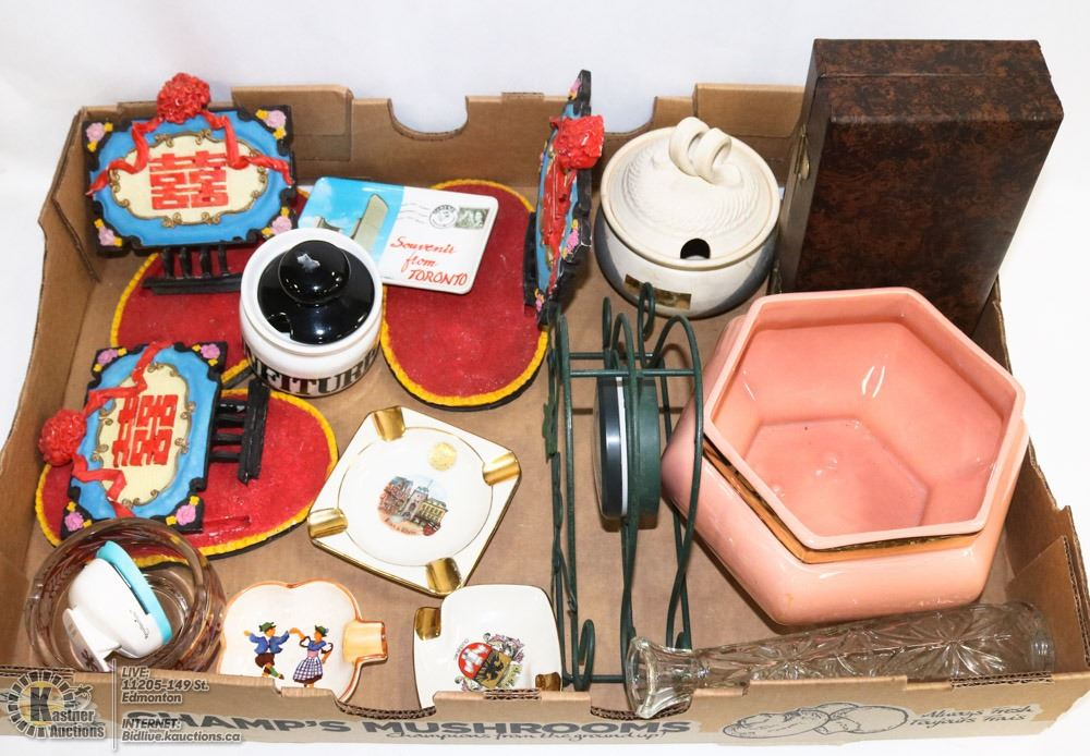 FLAT OF VINTAGE HOME DECOR & COLLECTIBLES INCL.