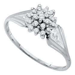 0.10 CTW Diamond Cluster Ring 10KT White Gold - REF-10K5W
